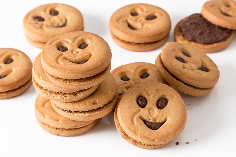 איזי גט משתמשת בקבצי עוגיות